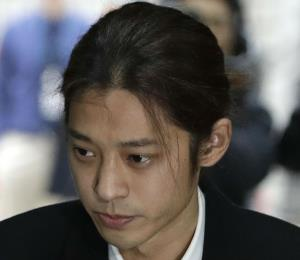 Detienen a la estrella de K-pop Jung Joon-young por vídeos sexuales