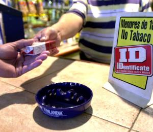 Incrementa la venta ilegal de cigarrillos