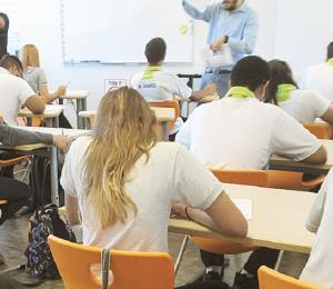 College Board administra la prueba de admisión a 30,000 estudiantes
