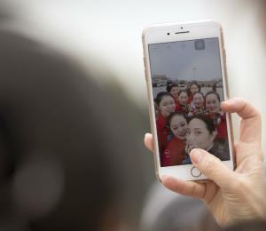 Un estudio revela que las selfies hacen ver tu nariz más grande