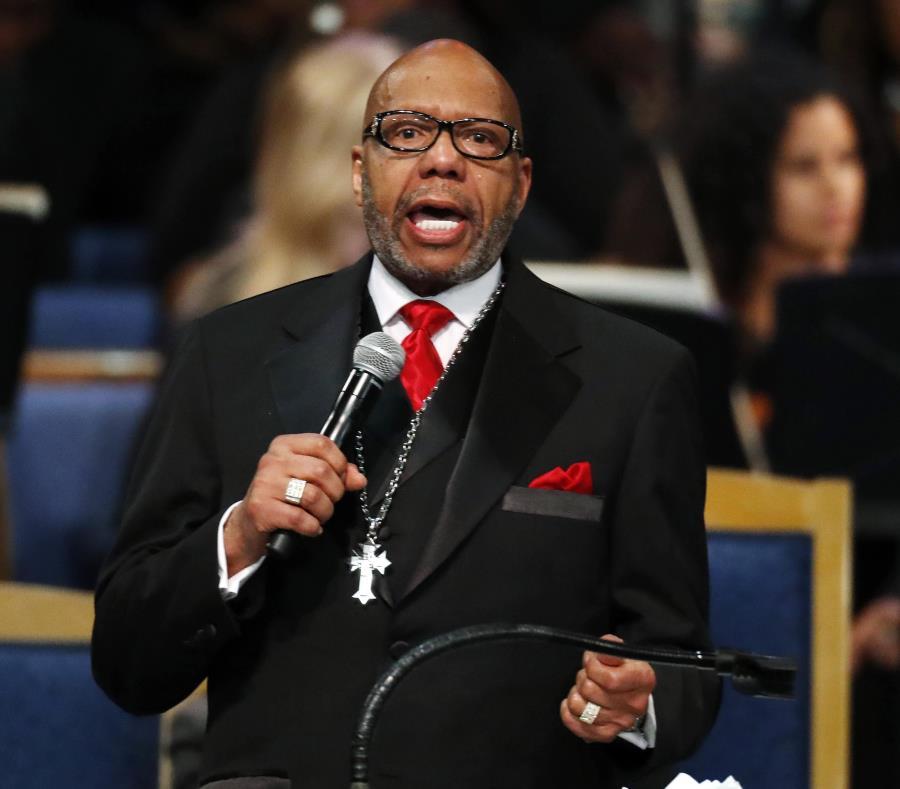 La familia de Aretha Franklin crítica el sermón del reverendo Jasper Williams  (semisquare-x3)