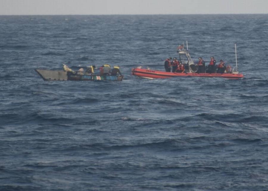 Guardia Costera intercepta y devuelve a un grupo de inmigrantes cubanos