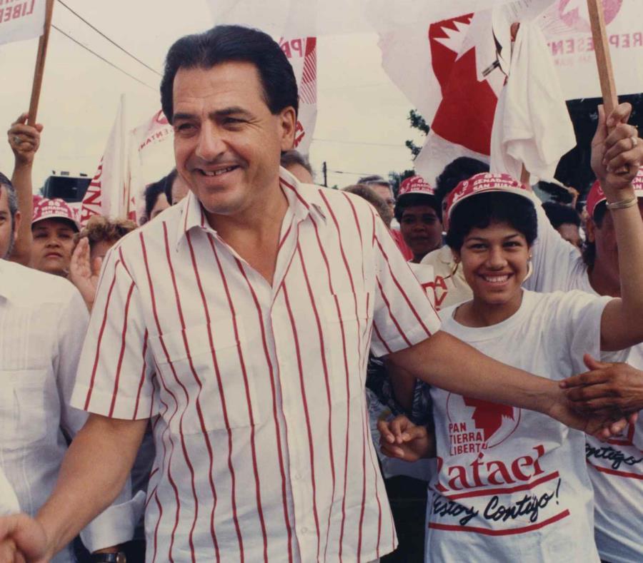 Rafael Hernández Colón en una actividad el 26 de octubre de 1988. (GFR Media) (semisquare-x3)