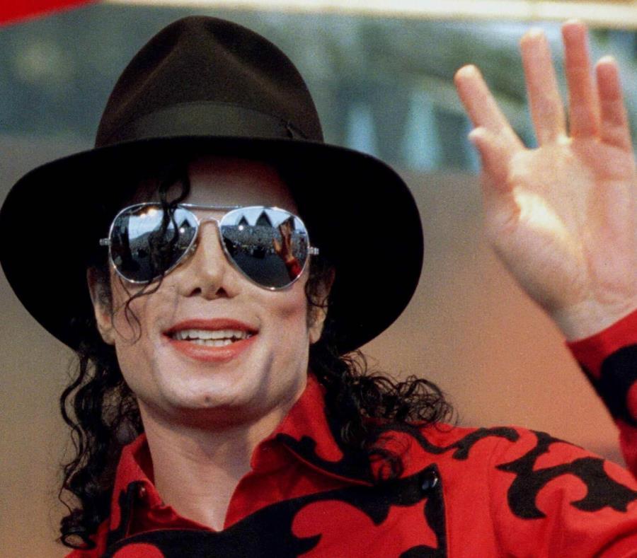 Michael Jackson saluda a su fanaticada. (GFR Media) (semisquare-x3)