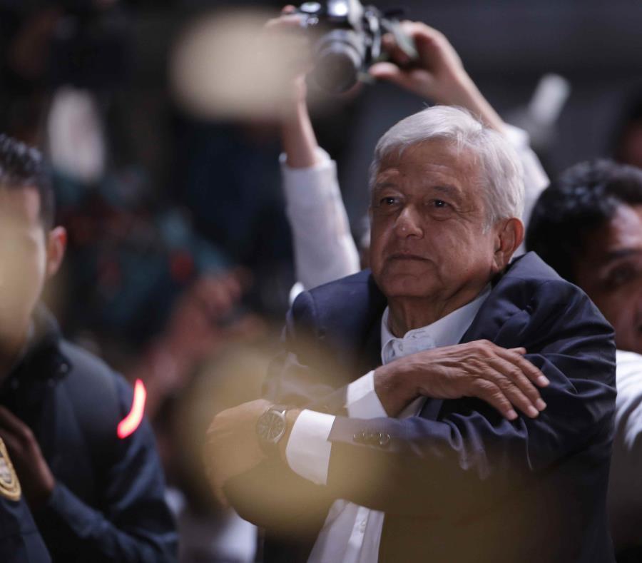 No más gasolinazos por 3 años, promete Andrés Manuel