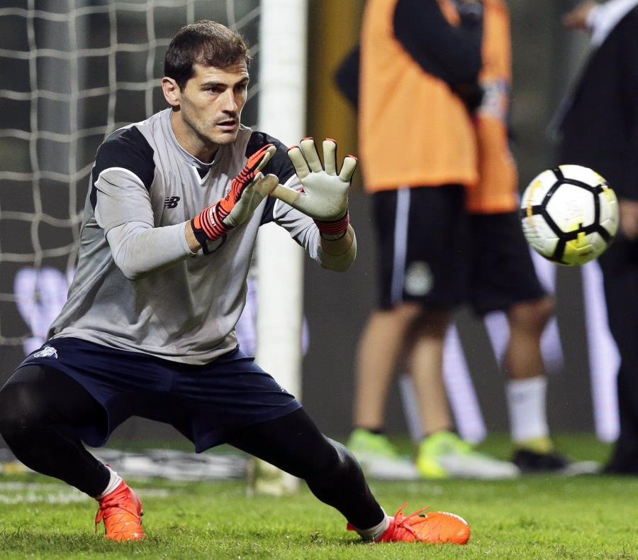 Iker Casillas, portero del Oporto. (Agencia EFE) (semisquare-x3)