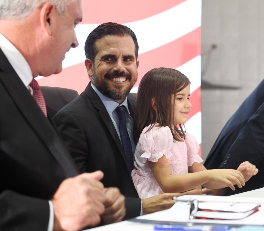 Ricardo Rosselló Nevares (centro) ofrecerá un mensaje mañana en Select USA– que reúne a inversionistas internacionales-, y luego encabezará una mesa redonda, en horas de la tarde, sobre las posibilidades de inversión en Puerto Rico. (semisquare-x3)
