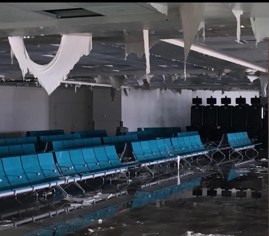 Así quedó la terminal B/C del aeropuerto internacional tras el huracán María. (Suministrada) (semisquare-x3)