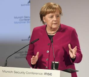 Merkel defiende pacto nuclear con Irán tras críticas de Estados Unidos