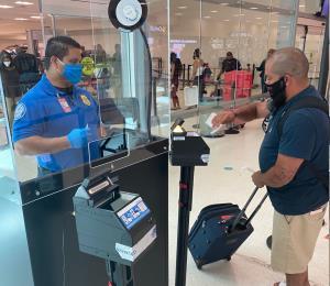 Nuevas recomendaciones de TSA brindan tranquilidad a viajeros