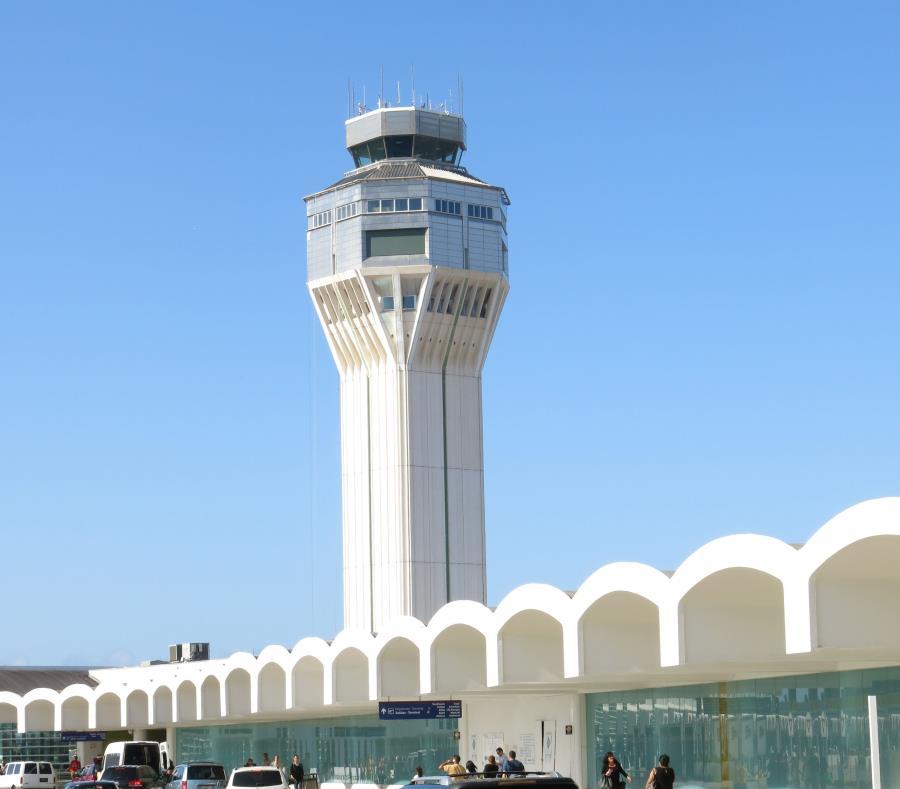 Falla técnica causa demoras en aeropuertos de EU