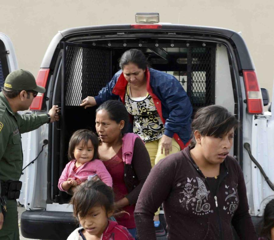 La Patrulla Fronteriza anunció el jueves que dejaría en libertad a migrantes en el sur de Nuevo México y en El Paso, Texas. (Blake Gumprecht/The Las Cruces Sun News vía AP) (semisquare-x3)