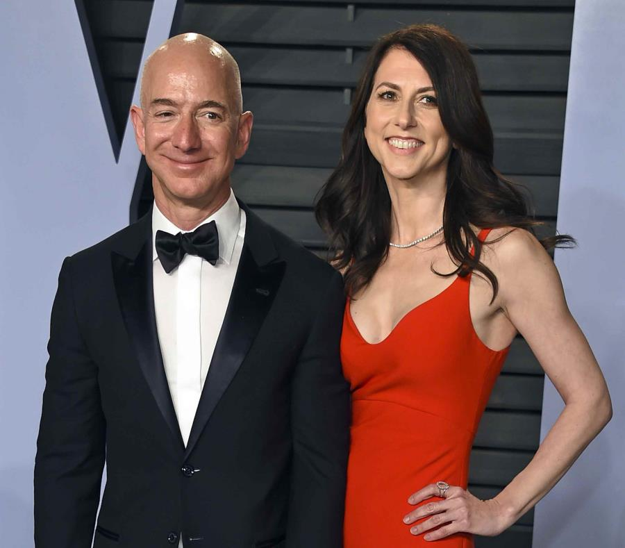 Amazon boss Jeff Bezos finalises record-breaking '£27 billion' divorce