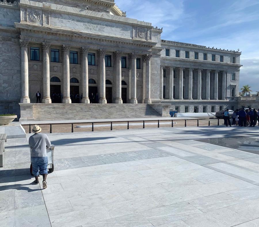 A eso de las 4:20 p.m. los alrededores del Capitolio lucen tranquilos. (Amanda Pérez Pintado) (semisquare-x3)