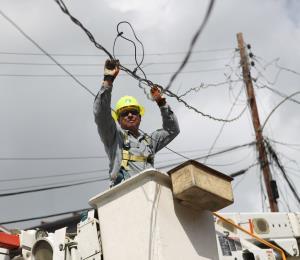 A reenfocar la reconstrucción de la red eléctrica