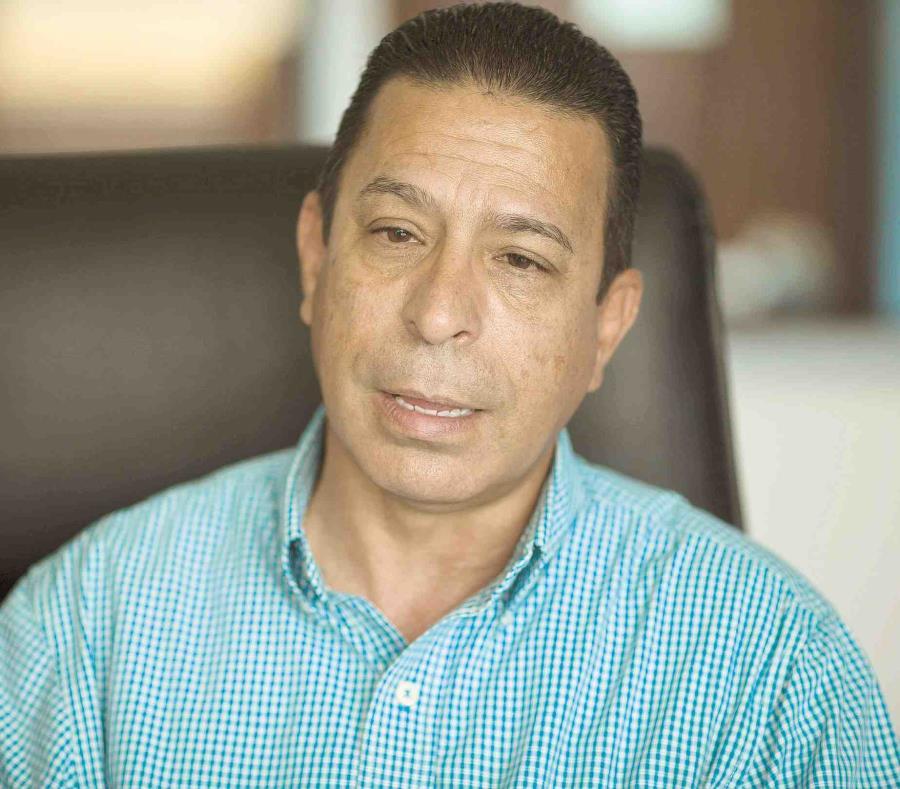 Ricardo Rosselló se reúne con el alcalde de San Germán (semisquare-x3)