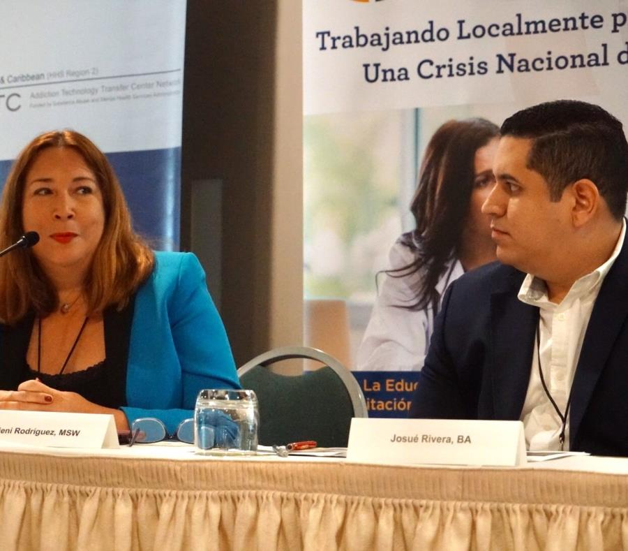Ciení Rodríguez Troche, gerente de servicios especiales de la ASSMCA, junto a Josué Rivera, director de la agencia de Desarrollo Rural del Departamento de Agricultura federal. (GFR Media) (semisquare-x3)