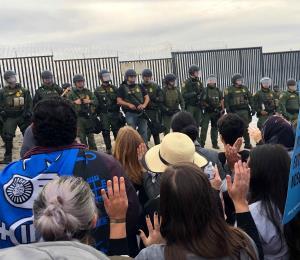 El Salvador trata de evitar futuras caravanas de migrantes
