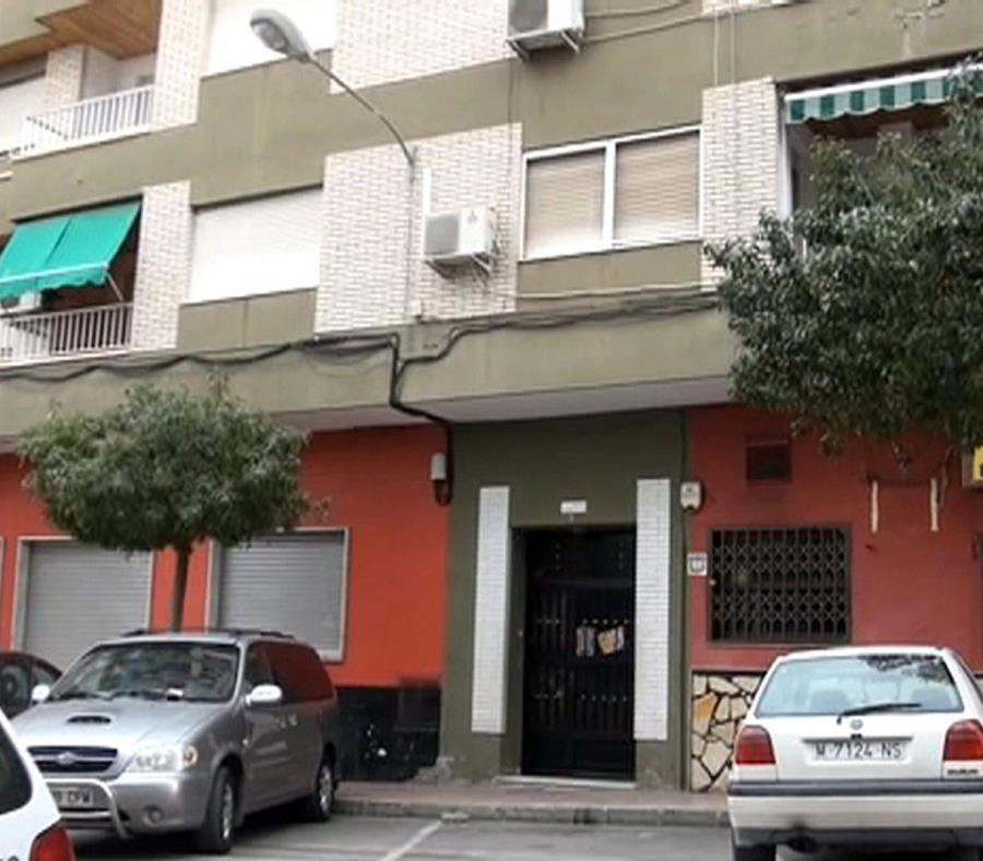 España: una bebé muere tras ser olvidada por su padre en un auto (semisquare-x3)