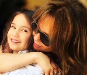 Sorprende una foto de la hija de Thalía por su parecido con la cantante
