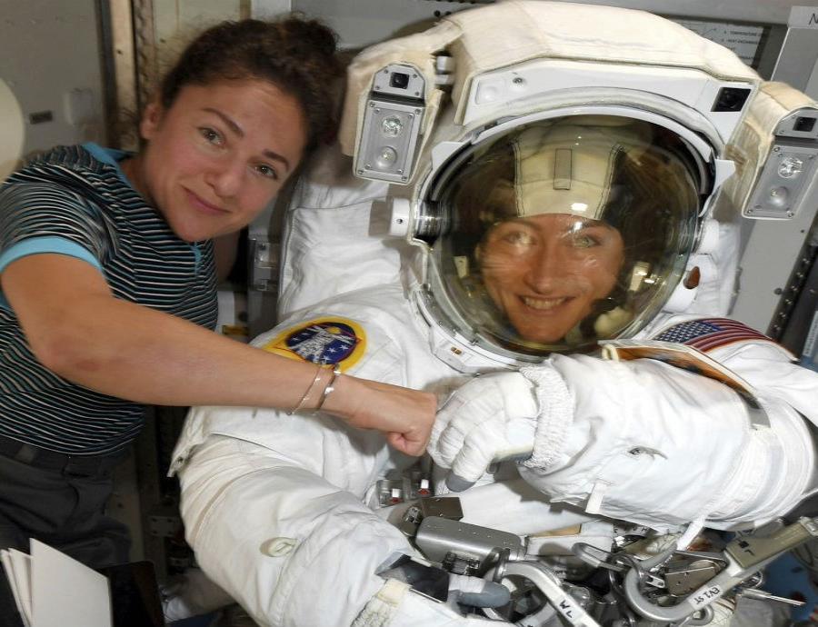 La primera salida espacial 100% femenina será el jueves o viernes