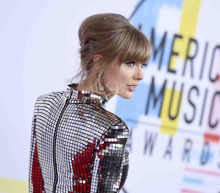 Taylor Swift (semisquare-x3)