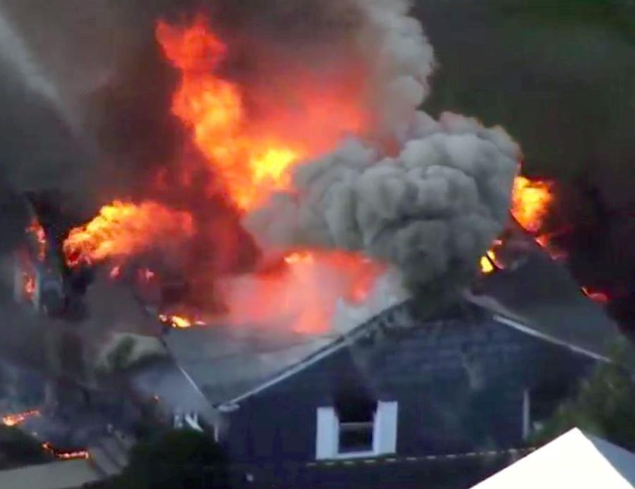 Explosiones por falla de gas en 40 casas de Massachusetts — EEUU