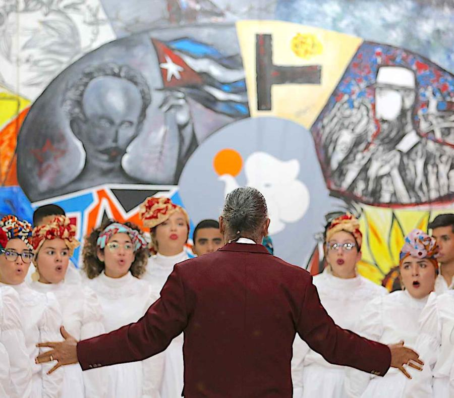 El Coro de la Universidad de Puerto Rico en Humacao (UPR-H) ofreció por primera ocasión un concierto en Cuba. (semisquare-x3)