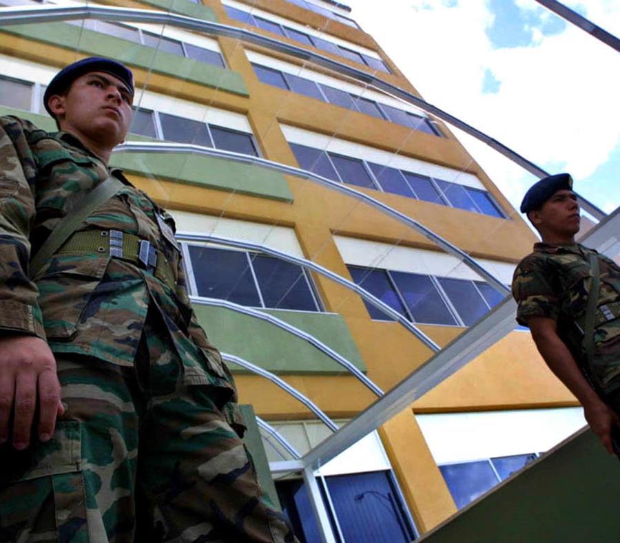 Los periodistas fueron arrestados por el Servicio Bolivariano de Inteligencia Nacional (semisquare-x3)