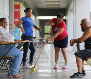 Indignados y frustrados los residentes de Arroyo