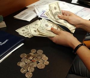 Salario mínimo: ellos y nosotros