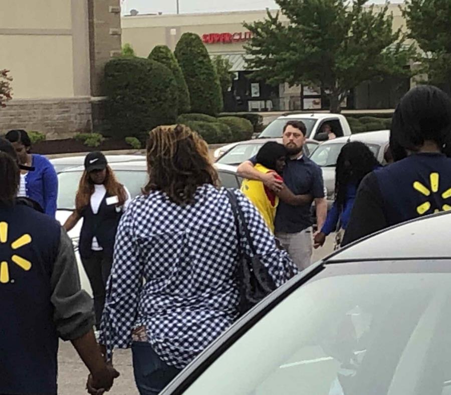 Resultado de imagen para Tiroteo en tienda Walmart de Mississippi deja dos muertos