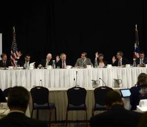La Junta puso las cartas sobre la mesa