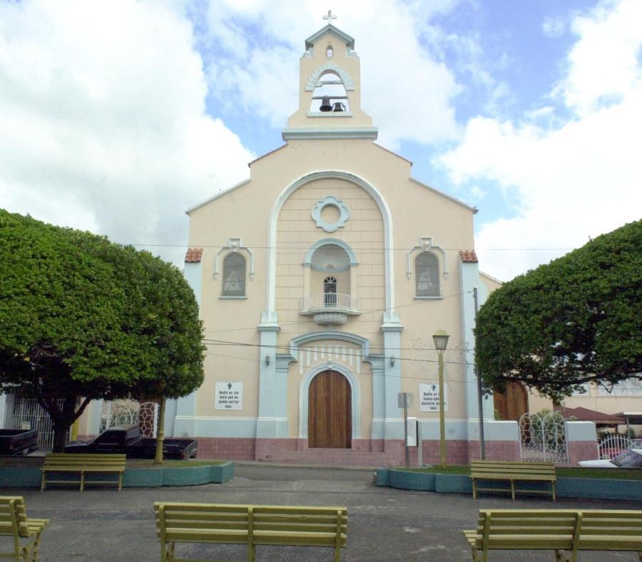 Imagen de la iglesia San Benito de Abad, en Patillas. (GFR Media) (semisquare-x3)