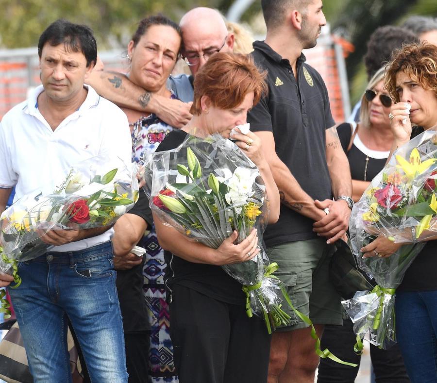 Génova recuerda a las víctimas del puente Morandi a un mes de la tragedia (semisquare-x3)