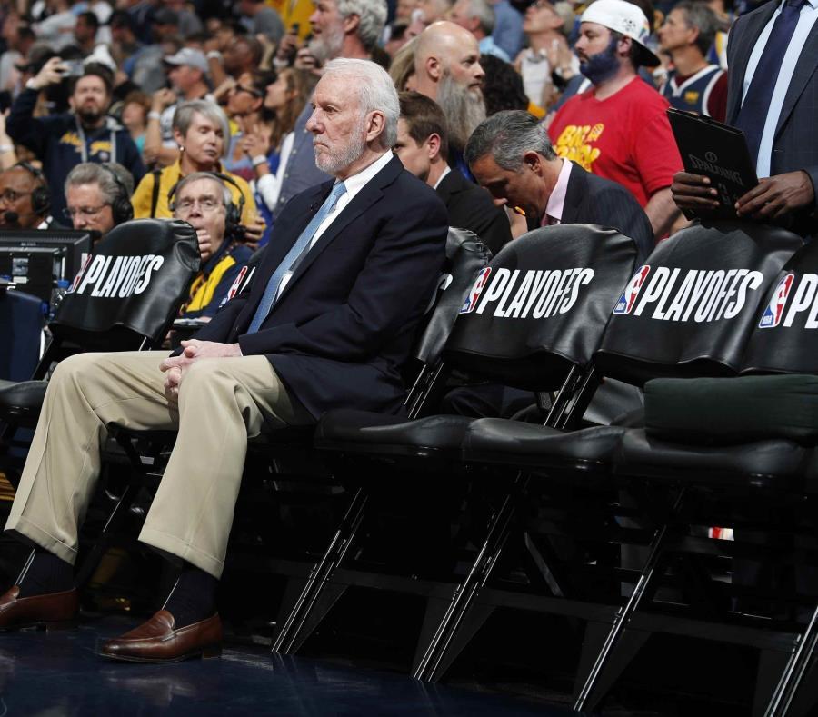 Coach Gregg Popovich espera firmar por tres años con los Spurs — Fuentes