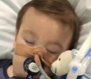 La polémica decisión en el caso de Alfie Evans, niño con rara enfermedad