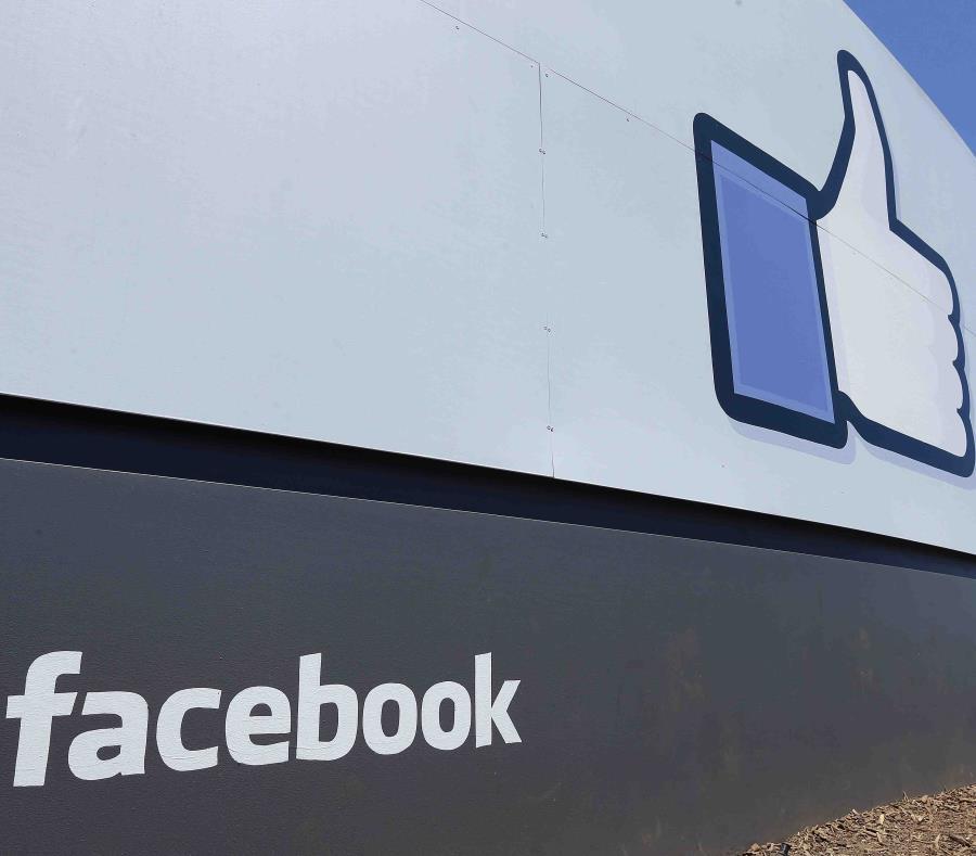 Facebook lanzó en EU sección de noticias y pagará a editoriales