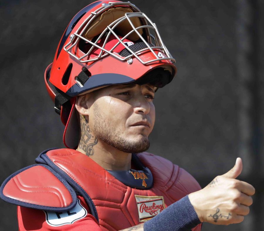 Yadier Molina ganó el premio Roberto Clemente de MLB este año. (semisquare-x3)