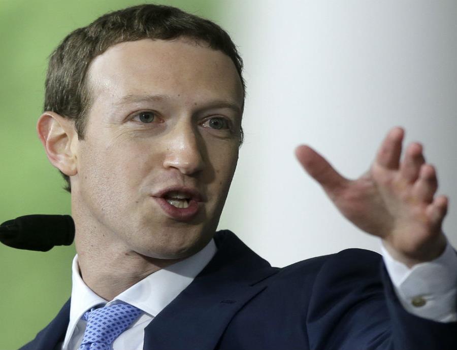 Zuckerberg también defendió a la número 2 de la red social, Sheryl Sandberg. (semisquare-x3)