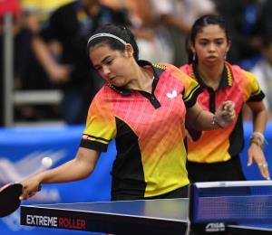 Adriana y Melanie Díaz avanzan a la segunda fase en el Mundial de tenis de mesa