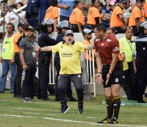 """Maradona sobre Messi: """"No lo endiosemos más"""""""