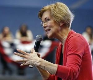 Elizabeth Warren llega a su encuentro con los boricuas en el Teatro Tapia de San Juan