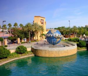 Reabre el CityWalk en Universal Orlando, pero con poca asistencia