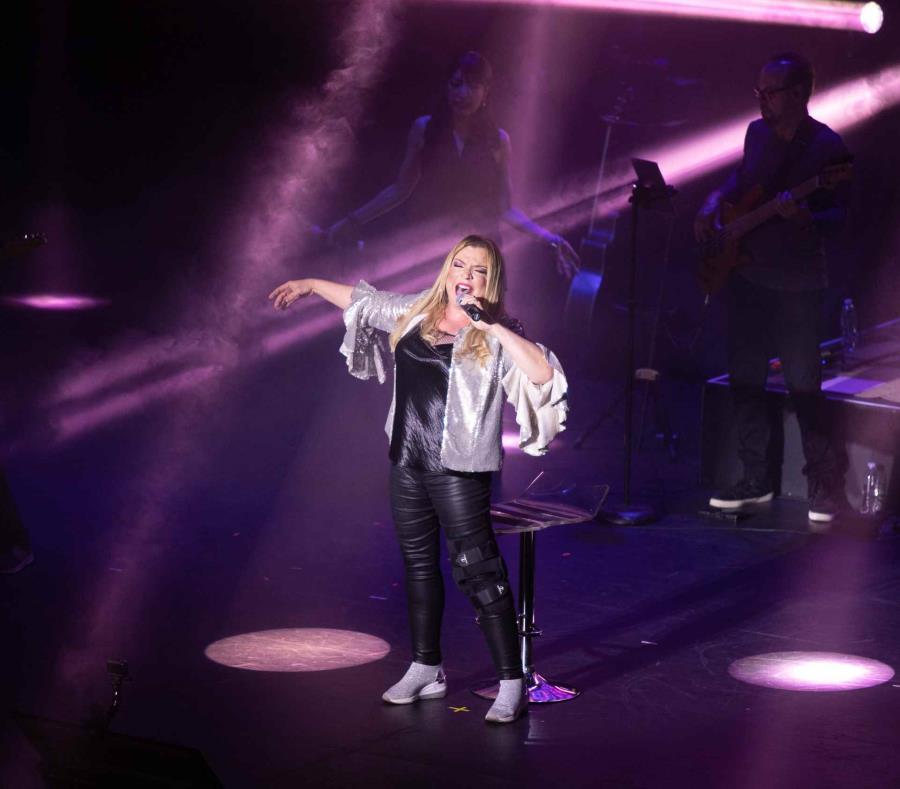 Ednita hizo un pausa para manifestar su orgullo de ser boricua, a la vez que llamó a los presentes a valorar la cultura puertorriqueña, durante su concierto en el Teatro de la UPR el sábado, 18 de mayo de 2019. (Héctor A. Suárez de Jesús / Cortesía UPR-RP (semisquare-x3)