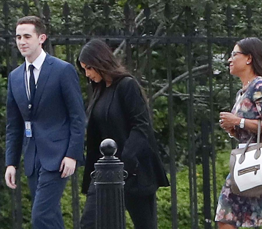 Kim Kardashian a su llegada a la Casa Blanca. (AP) (semisquare-x3)