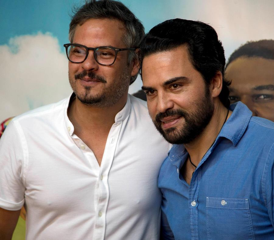 El director Frank Perozo junto a uno de los protagonistas, Manny Pérez. (semisquare-x3)