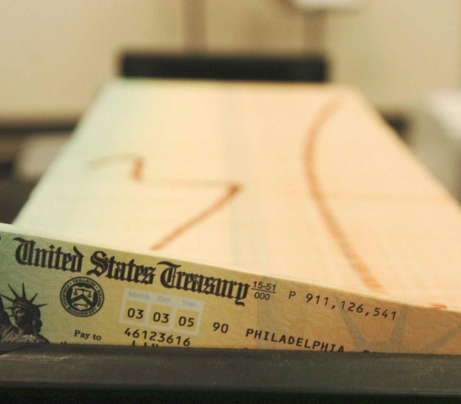 Imagen de un cheque del Seguro Social. (AP) (semisquare-x3)