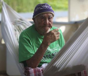 Envejeciente de 100 años lleva casi nueve meses sin luz en Naguabo