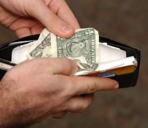 Alza del salario mínimo es un impuesto escondido